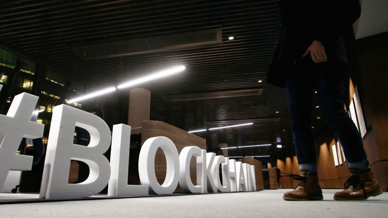 Blockchain forces against corona virus