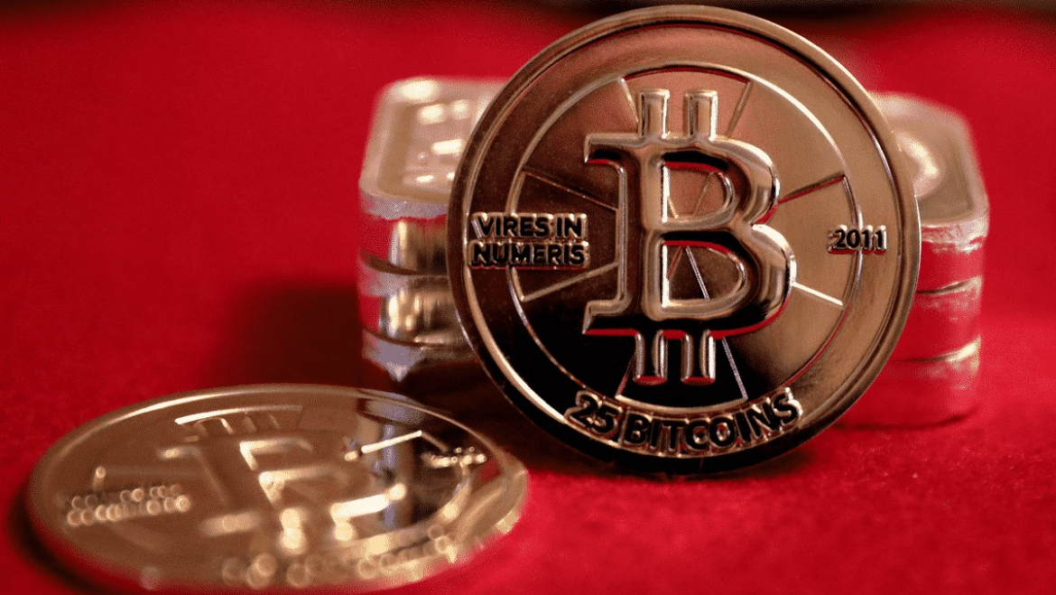 Bitcoin prices start at USD $ 8,800 in May