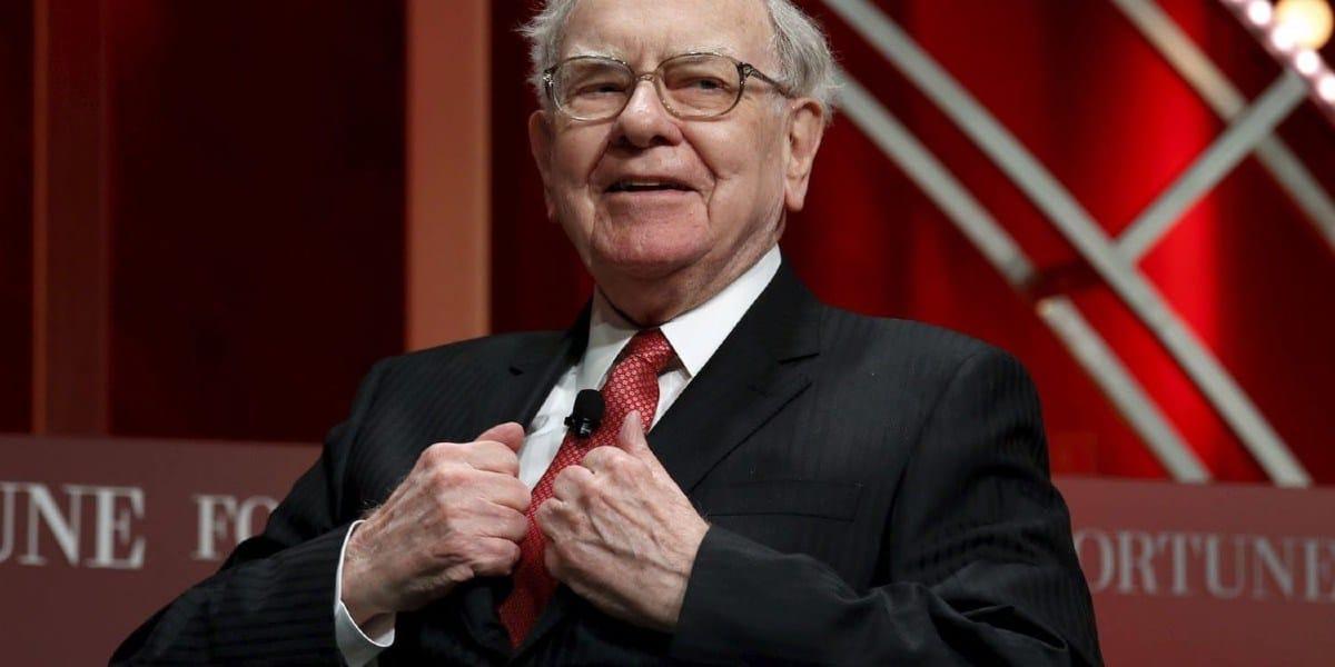Does Warren Buffett think the economy will deteriorate?